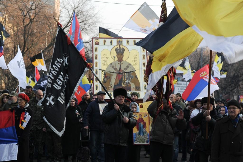 Марш русских патриотов. Подобное зрелище в некогда столице мирового коммунизма уже мало кого удивляет.