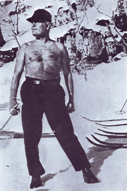 Муссолини на лыжне, 1925 г.